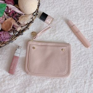 Accessories - Chloe small Complimentary pouch